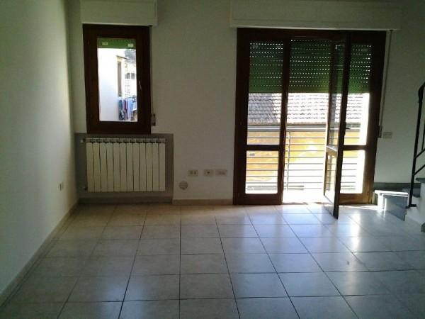 Riferimento LI9014 - Appartamento in Affitto a Limite S/a