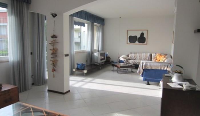 Riferimento C 123 - Appartamento in Vendita a Viareggio