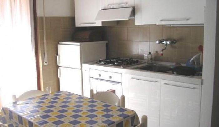 Riferimento AD 80 - Appartamento in Affitto a Viareggio
