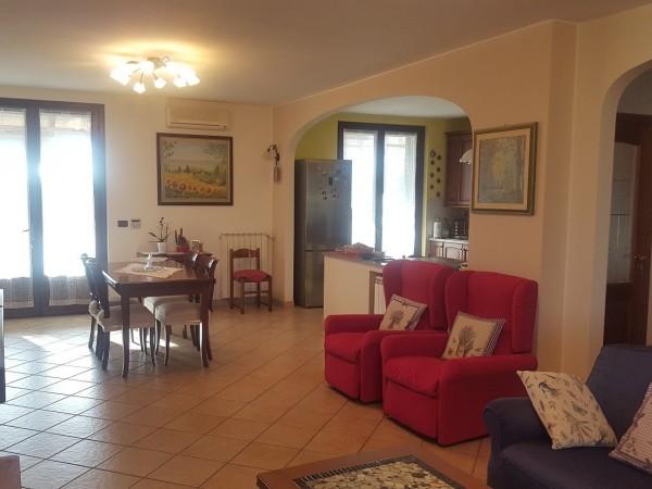 Riferimento 195C - Villa Bifamiliare in Vendita a Cascinagrossa