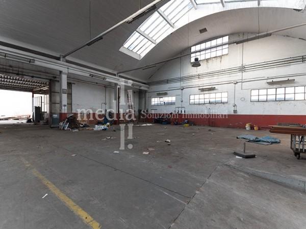 Riferimento CP009 - Capannone in Vendita a Livorno