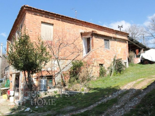 Reference VC393 - Farmstead for Sale in Trequanda