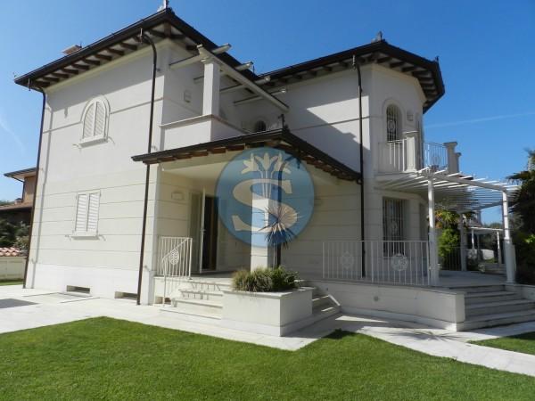 Riferimento SA1030 - Villa in Affitto a Seravezza