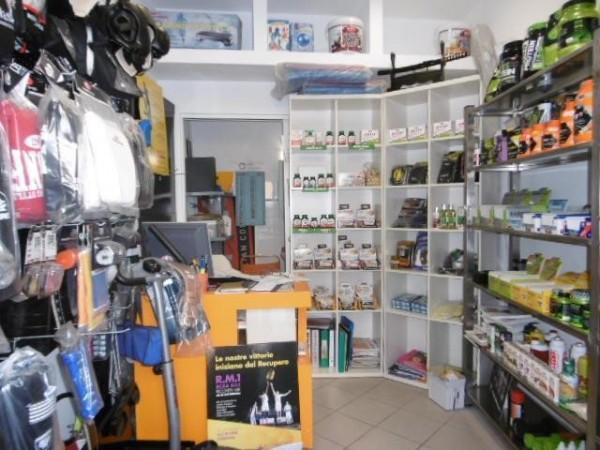 Riferimento 2392 - Negozio in Affitto a Pistoia
