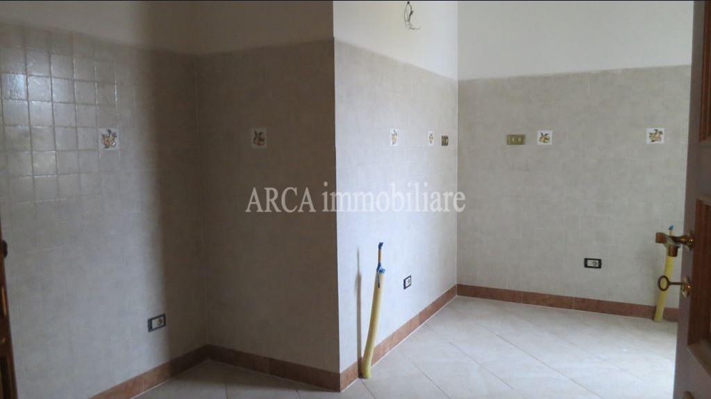 Appartamentoin Vendita, Pietrasanta - Centro Storico - Riferimento: 2666