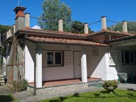 Riferimento VV921 - Villa in vendita a