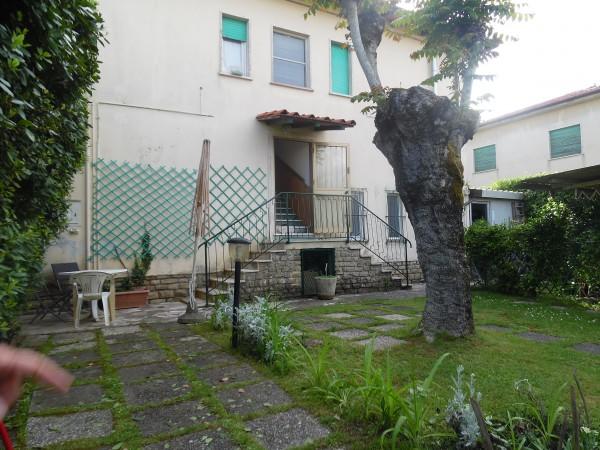 Riferimento 329-RC - Appartamento in Vendita a Marina Di Pietrasanta