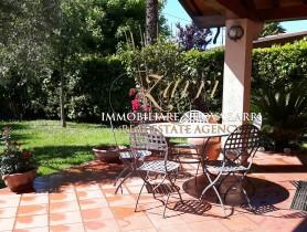 Riferimento VAF845 - Villa in affitto a