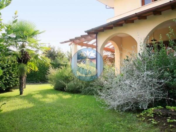 Reference SA548 Gino - Villa for Rentals in Forte dei Marmi