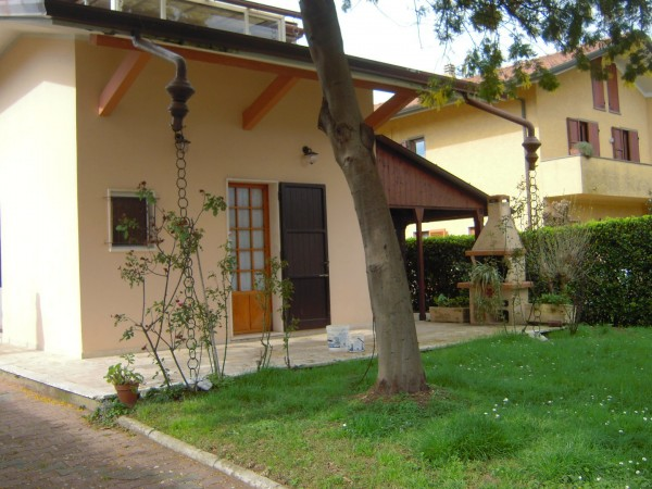 Villa Singola in affitto, Forte dei Marmi, Vittoria Apuana