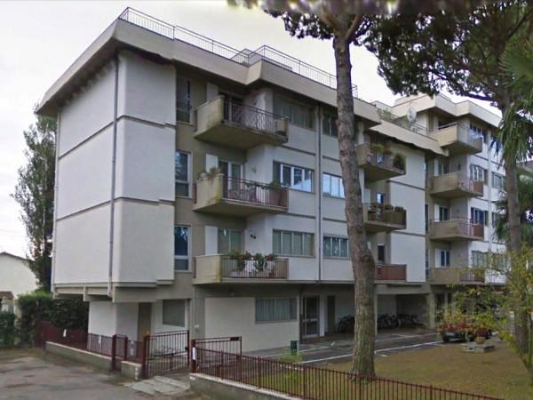 Flat in rent, Forte dei Marmi, Vittoria Apuana