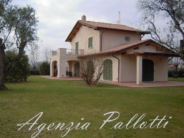 Villa Singola in affitto, Seravezza, Querceta