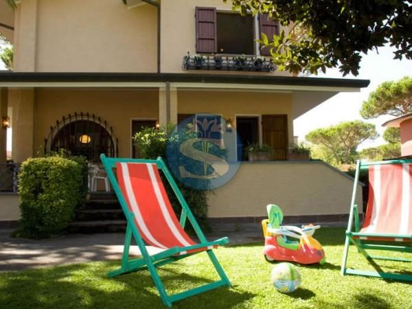 Riferimento SA546 Rita - Villa in Affitto a Forte dei Marmi
