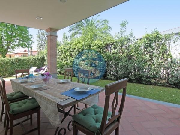 Riferimento SA547 Torri - Villa in Affitto a Forte dei Marmi