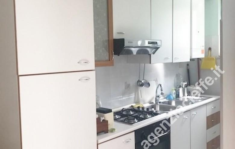 Agenzia Cieffe - particolare della zona cottura in appartamento al mare - Marina di Massa meta ambita del turista italiano