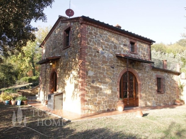 Reference V384 - Farmstead for Sale in Montisi