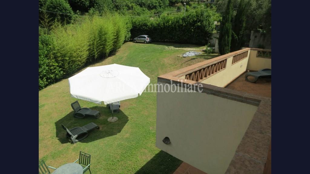Villa Bifamiliarein Vendita, Pietrasanta - Collina - Riferimento: 2066