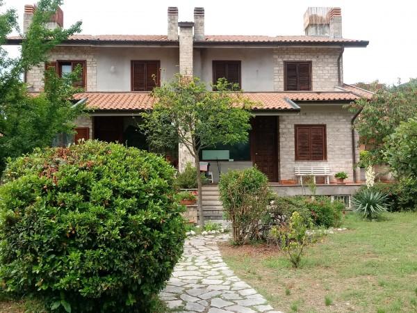 Riferimento V14-18 - Villa Bifamiliare in Vendita a Vazia