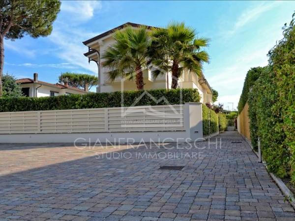 Riferimento 2025 - Villa Bifamiliare in Vendita a Cinquale