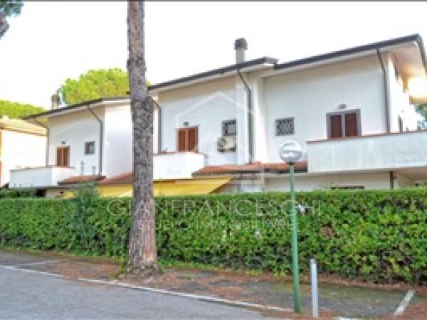 Riferimento 2020 - Villa Trifamiliare in Vendita a Cinquale