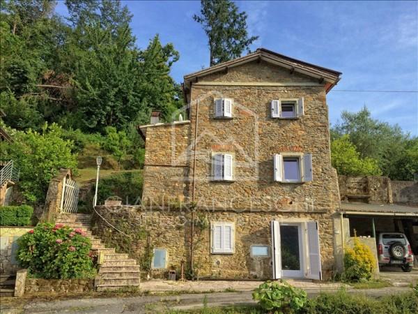 Riferimento 4001-1 - Casa Indipendente in Vendita a Pietrasanta Collina