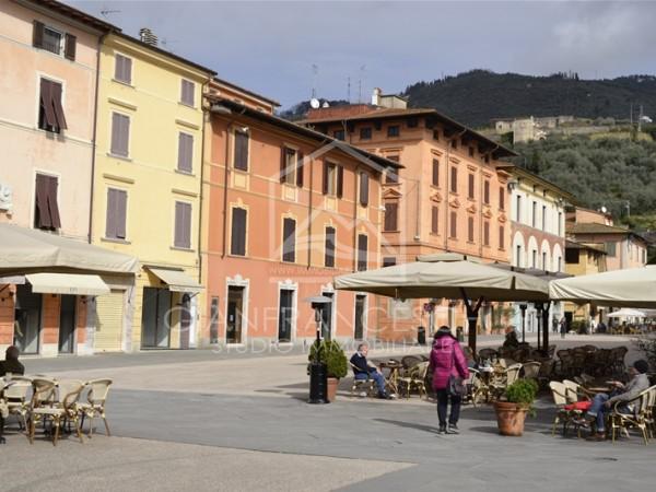 Riferimento 1065 - Appartamento in Vendita a Pietrasanta Centro Storico