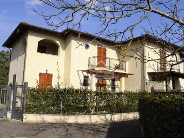 Riferimento 2035 - Villa Bifamiliare in Vendita a Cinquale