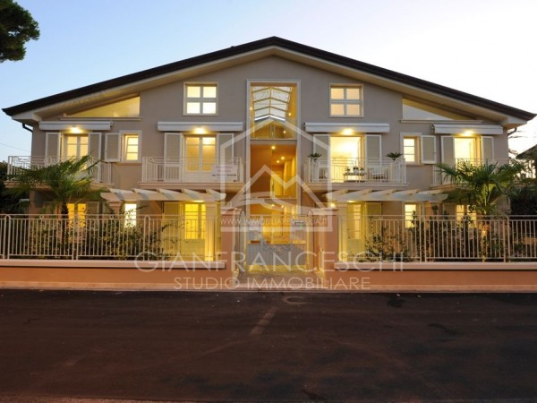 Riferimento 1001-3 - Appartamento in Vendita a Marina Di Massa