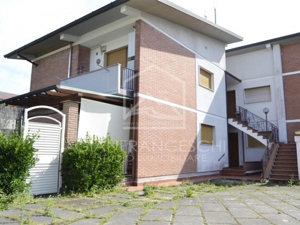 Riferimento 1052 - Appartamento in Vendita a Cinquale