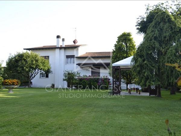 Riferimento 9508 - Villa Singola in Affitto a Cinquale
