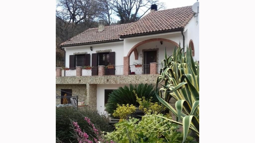 Villa Bifamiliarein Vendita, Vado Ligure - Valle Di Vado - Riferimento: v valpr