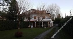 Villa Bifamiliare affitto Forte dei Marmi