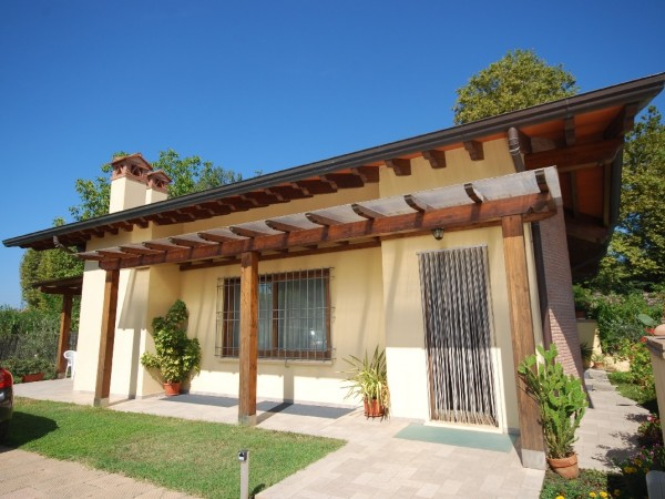 Riferimento WA 15030 - Villa Bifamiliare in Vendita a Macelli
