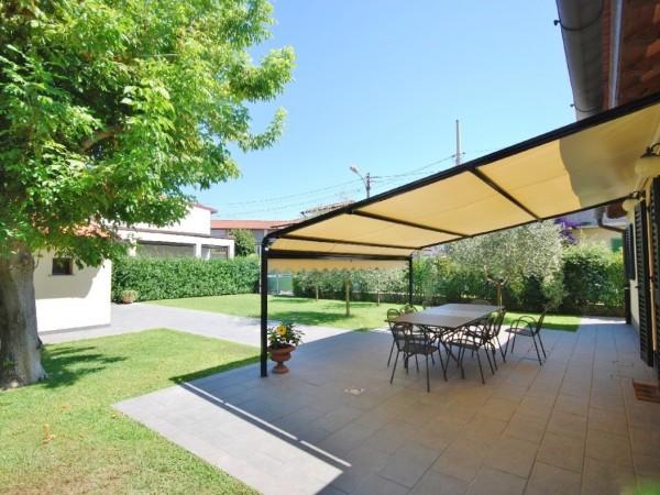Riferimento LT 459 Piccadilly - Villa Singola in Affitto a Marina Di Pietrasanta