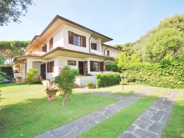 Riferimento LT 530 Villa Ortensia - Villetta Quadrifamiliare in Affitto a Marina Di Pietrasanta