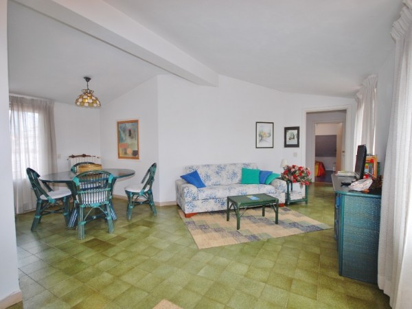 Riferimento LT 444 Le Foyer - Attico in Affitto a Marina Di Pietrasanta