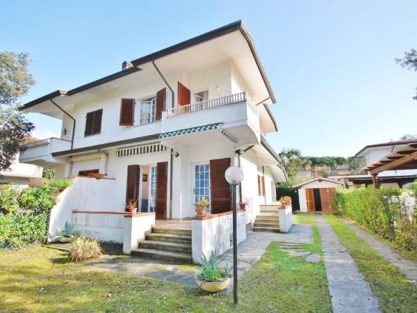 Riferimento WA 15165 - Villa Bifamiliare in Vendita a Marina Di Pietrasanta