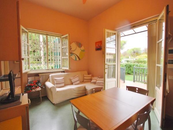 Riferimento WA 15195 - Appartamento in Vendita a Marina Di Pietrasanta