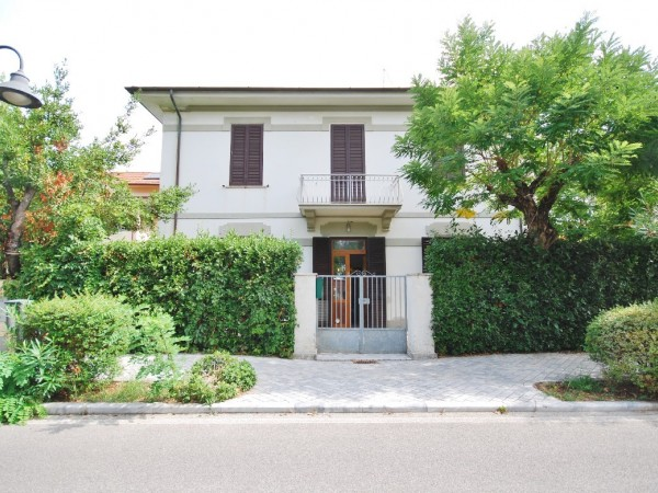 Riferimento WA 15277 - Villa Singola in Vendita a Marina Di Pietrasanta