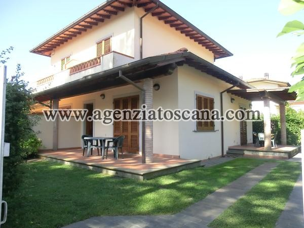 Two-family Villa for rent, Pietrasanta - Marina Di Pietrasanta -  0