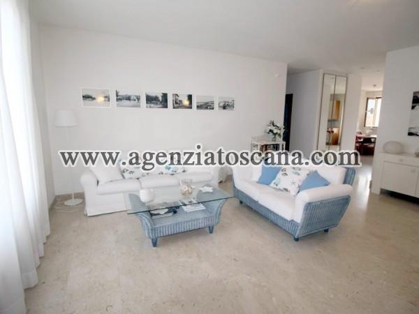 Forte Dei Marmi Vicino Al Mare Appartamento Con Posto Auto