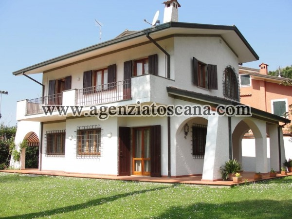 Villa Con Ampio Giardino