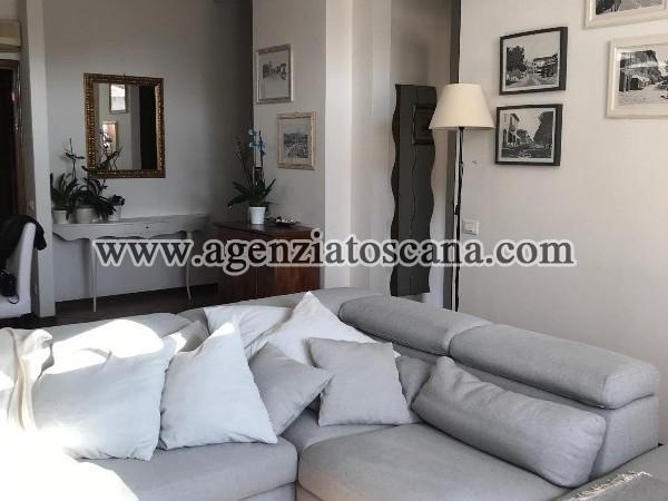 Appartamento In Forte Dei Marmi Centro Con Posto Auto
