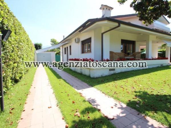 Villa Singola Molto Carina Con Grande Giardino E Posti Auto