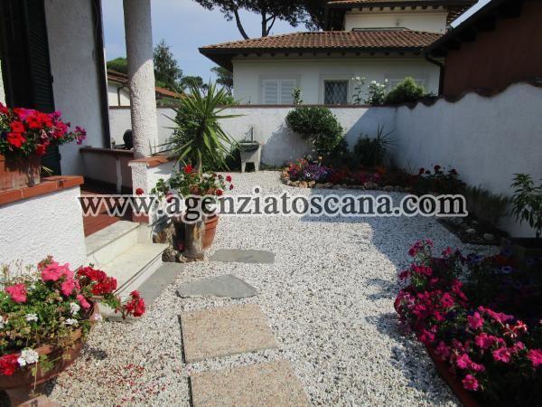Villa Bifamiliare in vendita, Forte Dei Marmi - Vittoria Apuana -  1