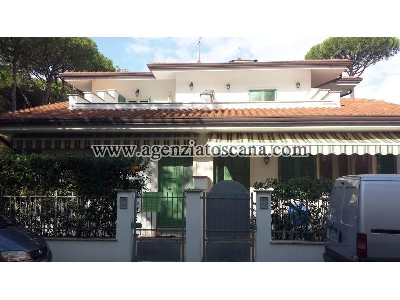 Villa Bifamiliare in affitto, Forte Dei Marmi - Vittoria Apuana -  0