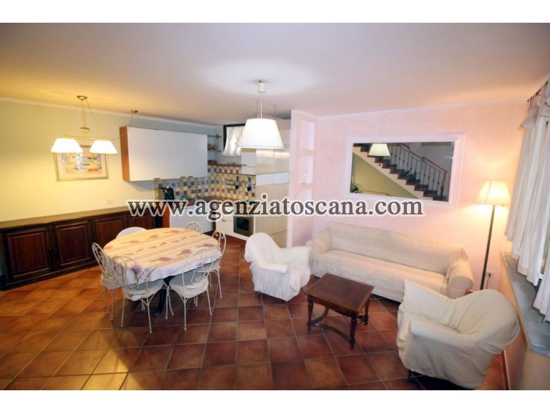 Appartamento in vendita, Forte Dei Marmi - Centrale -  2