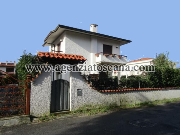 Single Villa With Garden