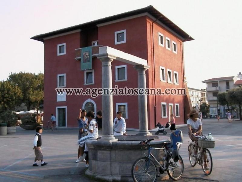 Villa In Centro Forte Con Grande Giardino