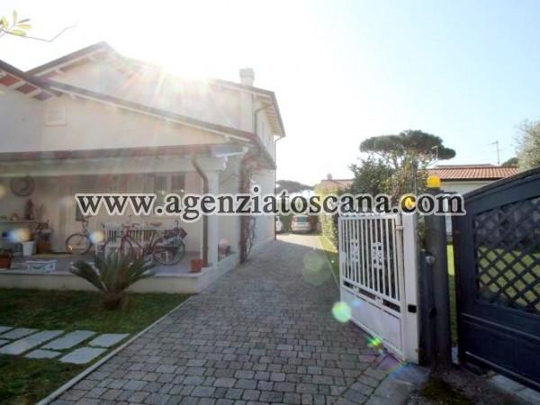 Appartamento In Villa Al Piano Primo